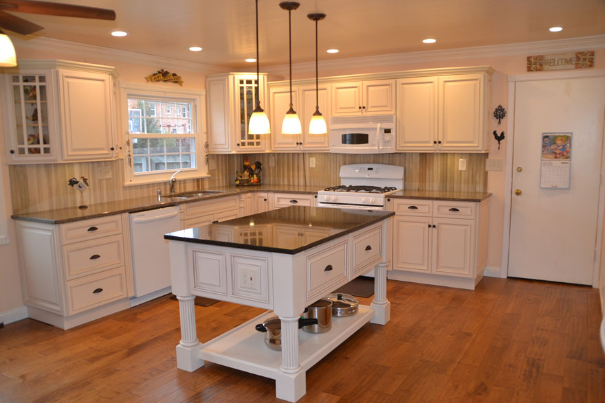 this kitchen is completed with ridgeline ivory
